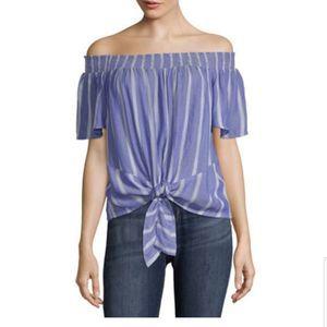 Black floral short sleeve blouse. Juniors. XL.
